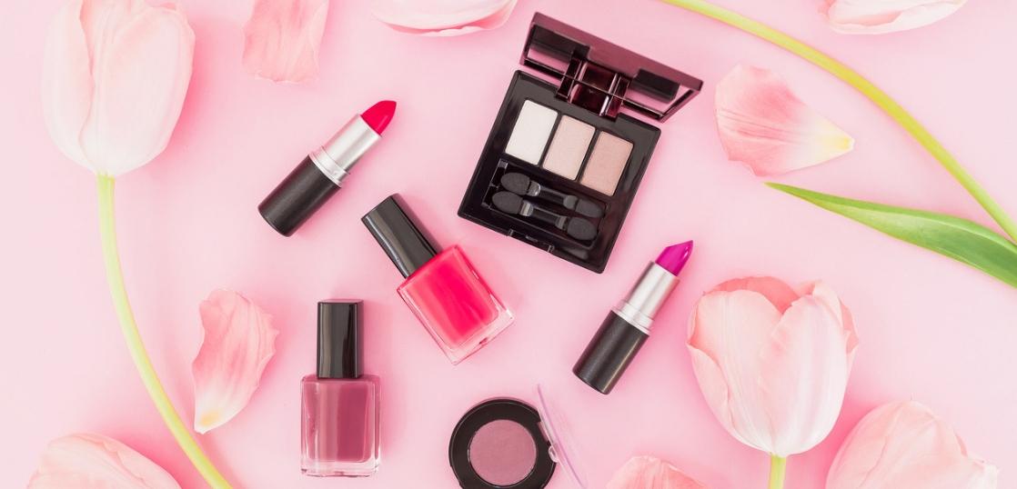 約8割の女性が、化粧品売場を衝動買い気分で楽しんでいる